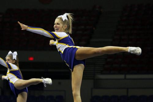 photo essay nhs cheerleaders at state championships newberg  newberg oregon school district